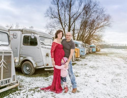 Winterliches Babybauch-Shooting